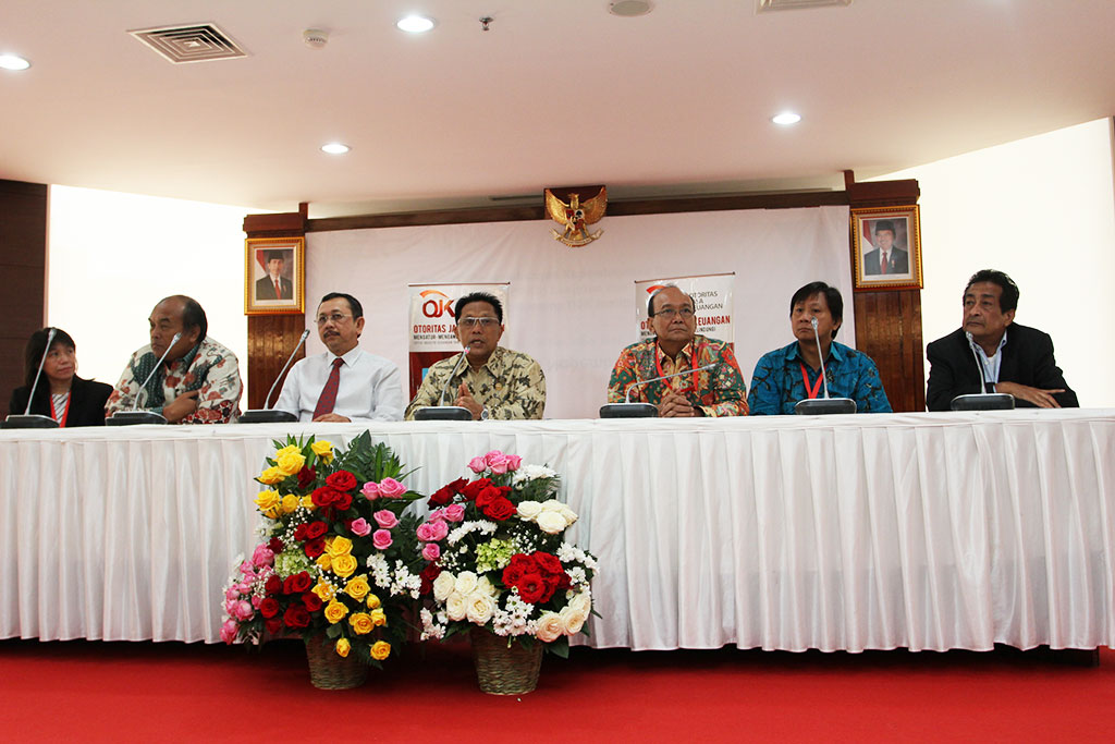 Konferensi pers klaim asuransi nasabah korban kecelakaan pesawat air